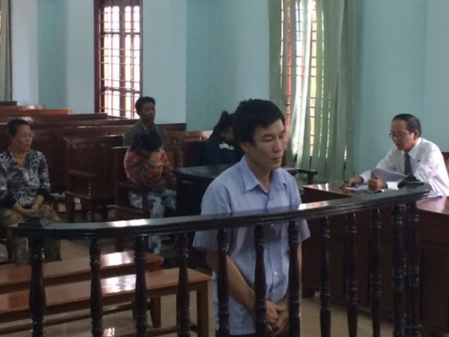 Duong Thanh Thuy, 48, at a trial in Can Tho June 29 for trafficking a 14-year-old to China and raping her. Photo: Mai Tram