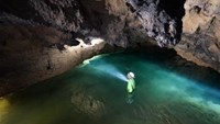 Tourists find wonderland during new Vietnam cave tour