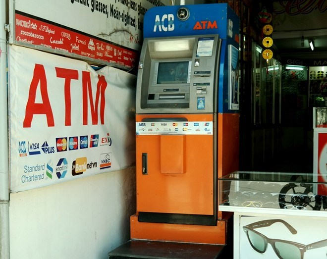 A ATM booth in Hoi An where the group had installed a camera to record people's card numbers and passwords to make copycat. Photo credit: Zing News