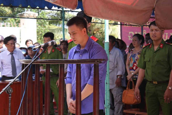 Hoang Van Han at a trial in Ho Chi Minh City on August 11, 2015 for killing his wife out of jealousy. Photo credit: Tuoi Tre
