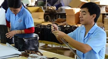 The current wage only covers 75 percent of a worker's basic life demands. Photo: Thu Hang