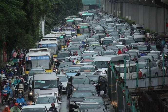 Traffic jam in Hanoi in early September. Photo credit: Zing