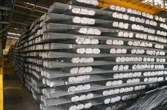 Current plans produce 11 million tons of steel rods but can only sell five million. Photo: TBKTSG/An Nam