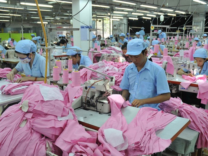 Current minimum wage only coves 75 percent of workers' basic demands, according to the Vietnam General Confederation of Labor. Photo: Diep Duc Minh