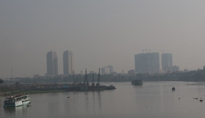 HCMC smog to hang for another month