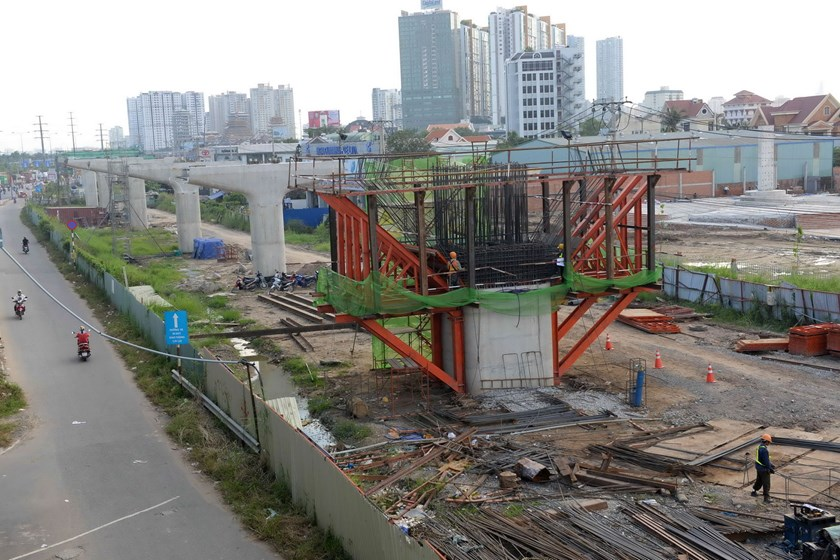 A photo taken on November 9, 2015 shows construction of Ben Thanh-Suoi Tien metro line in Ho Chi Minh City. Photo: Diep Duc Minh