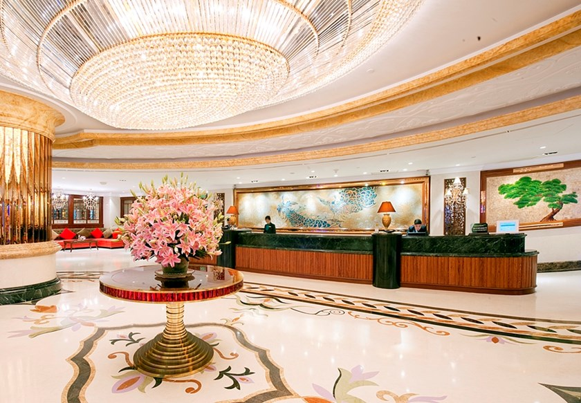 The lobby of Windsor Plaza Hotel at 18 An Duong Vuong Street, District 5, Ho Chi Minh City