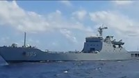 The Chinese warship that pointed guns at a Vietnamese supply vessel near the Spratly Islands on November 13, according to a pho