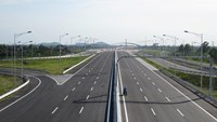 Part of the Hanoi - Hai Phong Expressway opens to traffic in May. File photo