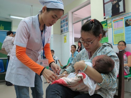 At least ten babies have died in Vietnam following Quinvaxem vaccination since October 2013. Photo: Dieu Hien