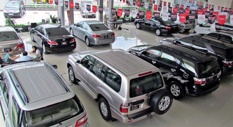 Around 250,000 cars are sold in Vietnam this year. Photo credit: VietNamNet