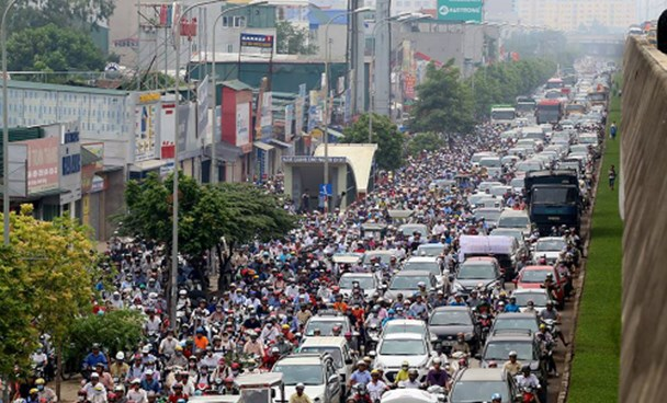 A road in Hanoi where vehicles would be stuck for hours every day. Photo credit: Ba Do/VnExpress