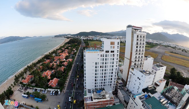 Nha Trang has planned yet another commercial and tourism complex at its former airport. Photo credit: ZIng