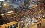 Thousands of Buddhists flock to Hanoi temple on pivotal praying night