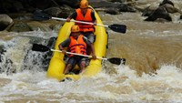 Water rafting in Da Lat. Photo: Lam Vien