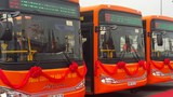 The new buses that serves public transport between Hanoi Railway Station and Noi Bai Airport. Photos: Ha An