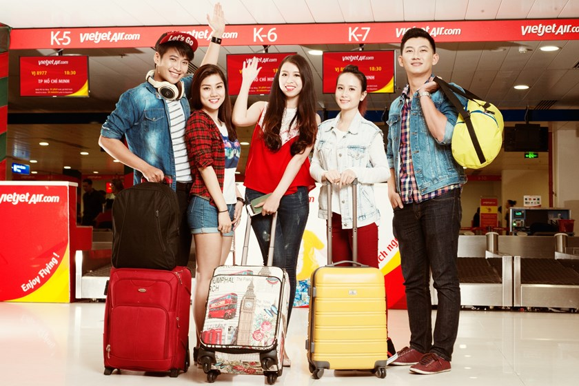 Vietjet launches 3D activations at airport, offers 1 mln 'super saving' tickets