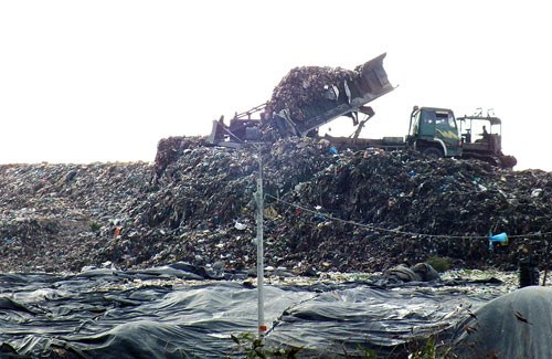 A garbage site in Ho Chi Minh City where all will be buried. Photo: Hai Nam