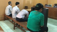 Four people stand trial in Ho Chi Minh City June 6 for trafficking protected animals. Photo credit: Nguoi Lao Dong