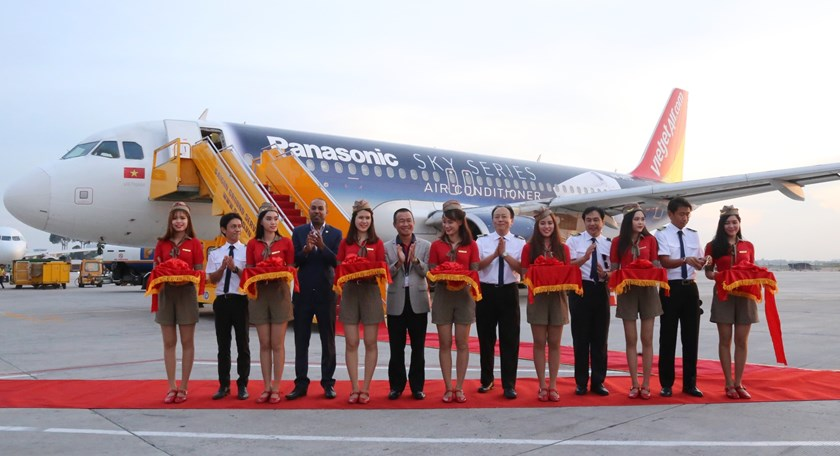 Panasonic's SKY Series featured on Vietjet aircraft