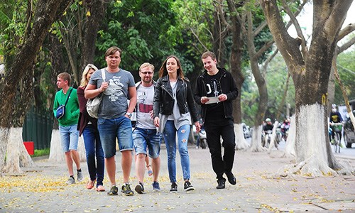Foreign tourists in Vietnam. Photo: Giang Huy/VnExpress