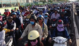 Vietnam mulls test of motorbike emissions to cut urban air pollution