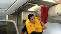 Vietnamese fined for removing aircraft life vest