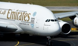 Emirates seeks airport fee discount for new daily flight to Hanoi
