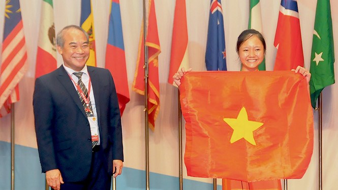 The student who wins the first gold medal for Vietnam at the International Biology Olympiad. Photo provided by the organizers