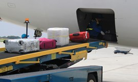Baggage handler admits to stealing tablet at Hanoi airport