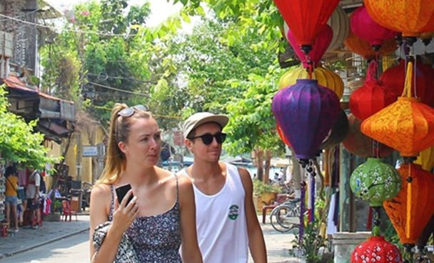 Foreign tourists in Hoi An ancient town in central Vietnam. Photo: Hua Xuyen Huynh