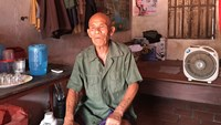 Tran Van Them, who was just cleared of a murder charge in 1973, at his house in Bac Ninh Province. Photo: Phuong Loan