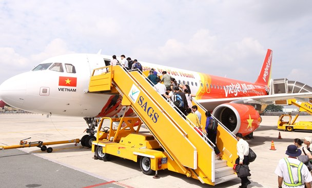 Vietjet passengers to enjoy up to 15 pct discount for all ATM card payment