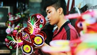 Back to basics: Saigon paper lanterns shine in the age of plastic