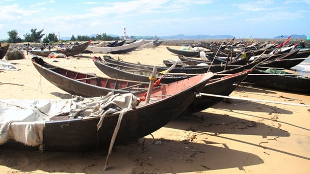 4 months after mass fish deaths, fishermen in central Vietnam remain jobless