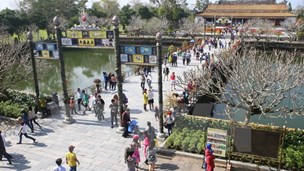Hue plans audio guides, free Wi-Fi for tourists