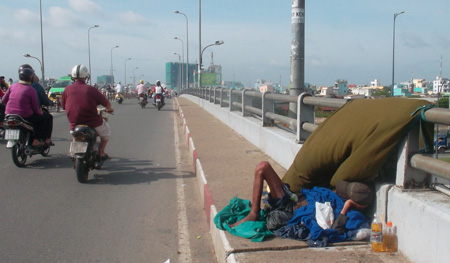 City plan to eliminate beggars targets the poor