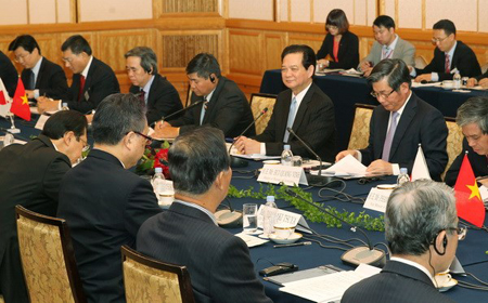 Vietnam PM seeks to strengthen economic partnership with Japan