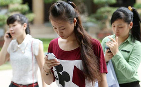 Vietnam authorities call 3G fee hike legal