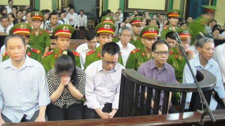 Vietnam court hands long jail terms in $5.7 mil bank swindle