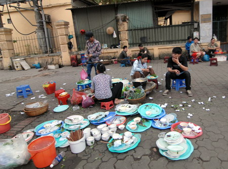 Vietnam street food still unsafe: studies