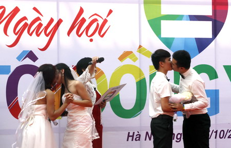 Discriminated, insulted, but Vietnam transsexuals see signs of change