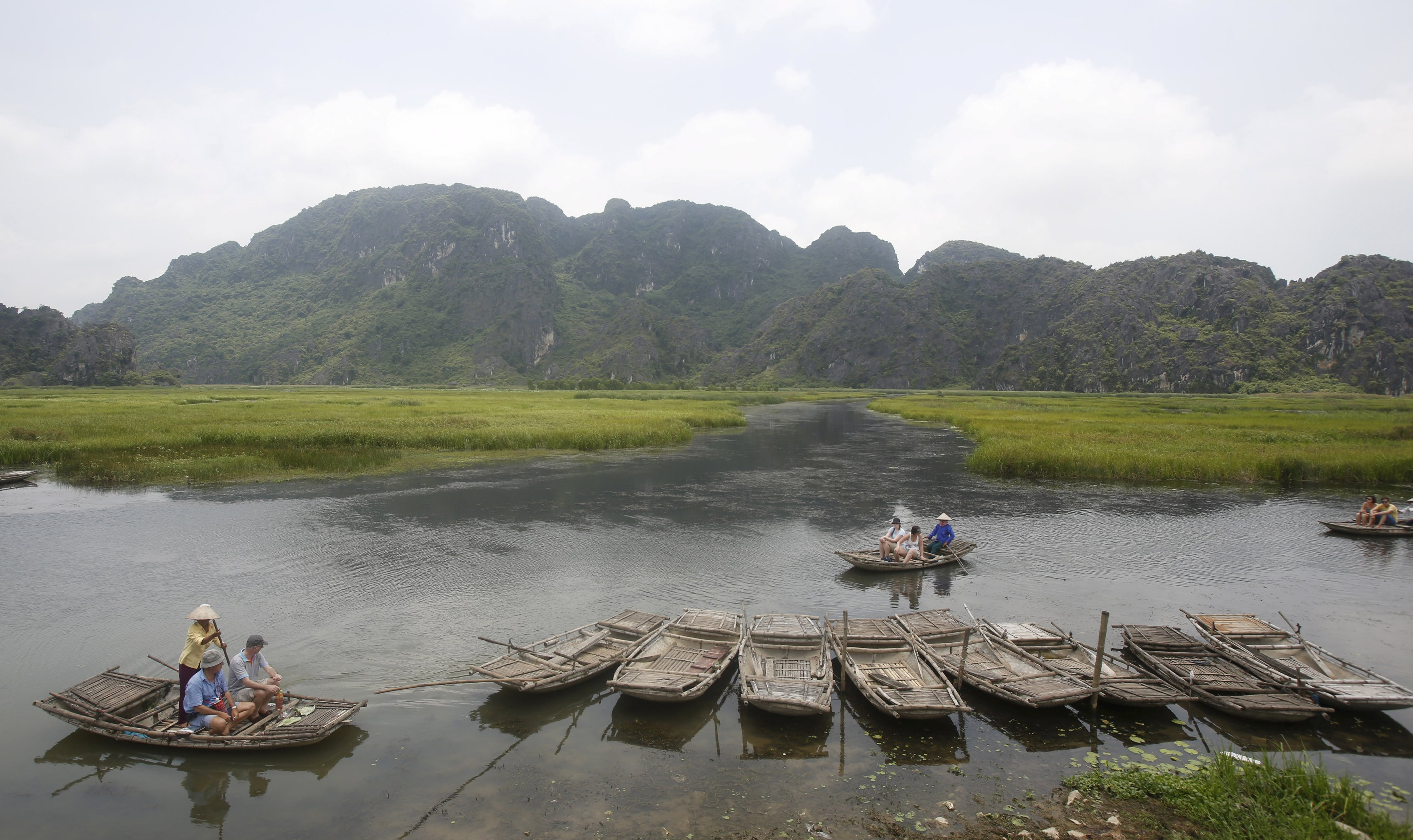 Vietnam to offer visa waivers as visitor drop hurts economy