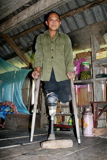 Vietnam's northern villagers lose lives, limbs to UXOs