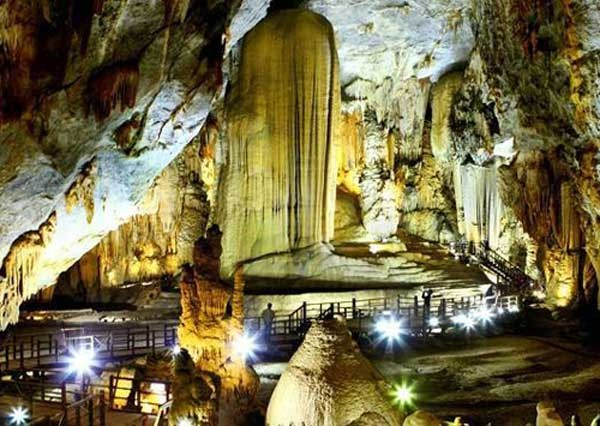 Vietnam to showcase heritage sites at int'l travel expo this month