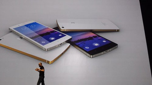 Vietnam firm takes on Apple, Samsung with much-hyped phone, calls it 'world's best'