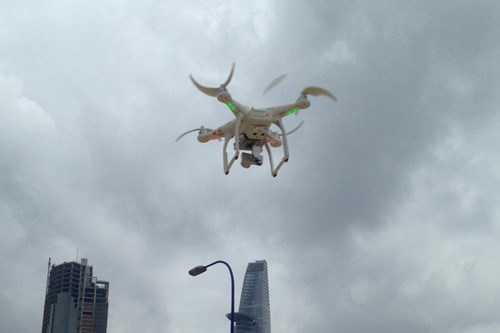 Defense ministry insists drone flyers must have license, cites security risks