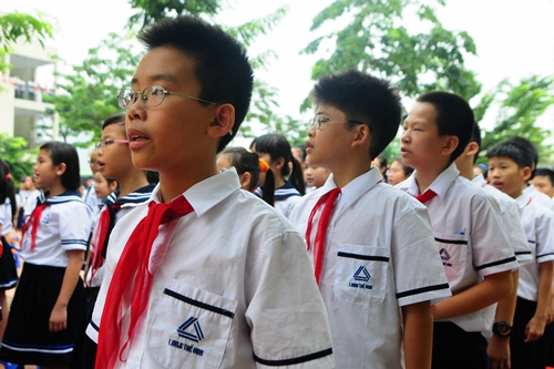 Vietnam ministry wants national anthem to be royalty-free