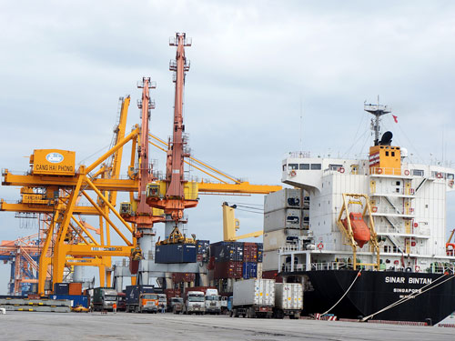 Domestic shipping lines struggle amid fewer orders, intensive competition