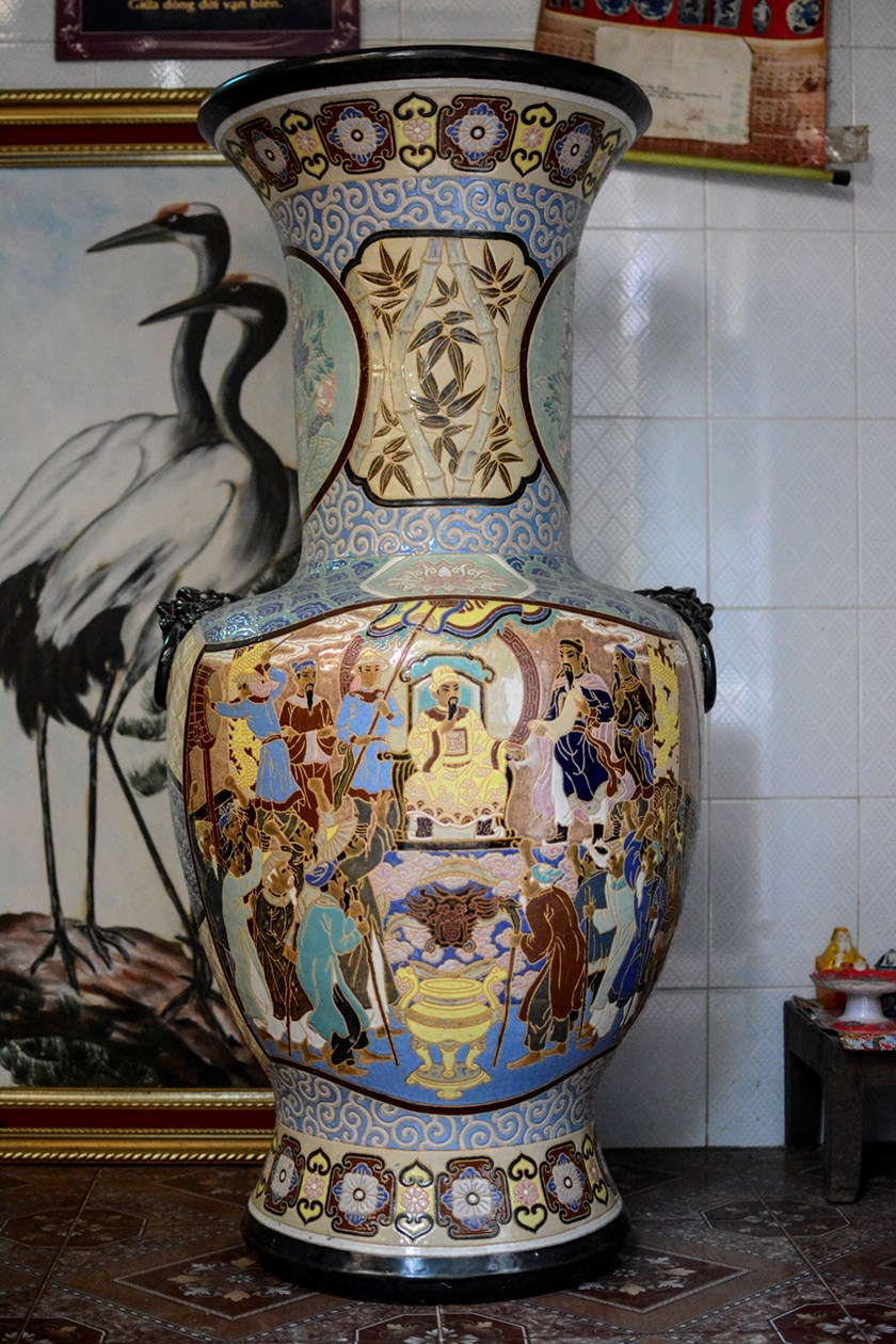 The King Of Antique Ceramics In Saigon Travel Thanh